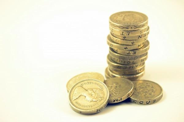 Money pile UK 1 pound coins